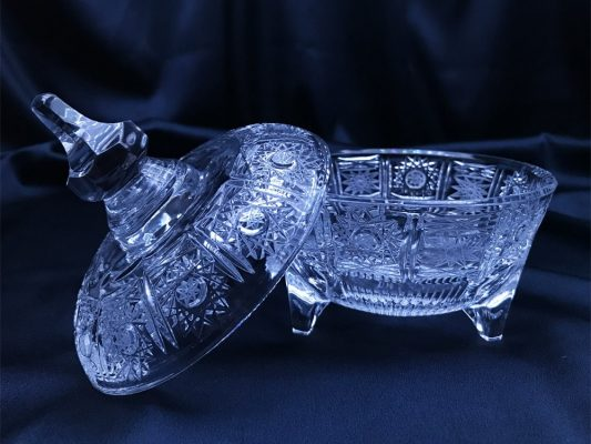 Krištálová brúsená dóza 14 cm s viečkom