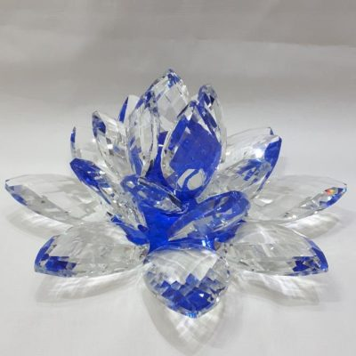 Krištálový brúsený lotosový kvet modrý 30 cm 2,5 kg