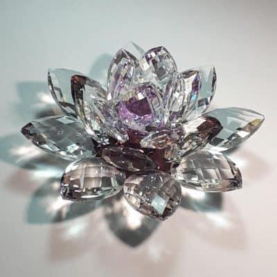 Krištálový brúsený lotosový kvet fialový 15 cm