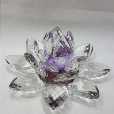 Krištálový brúsený lotosový kvet fialový 20 cm
