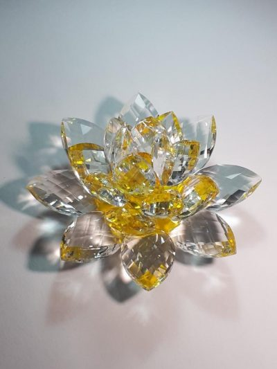Krištálový brúsený lotosový kvet žltý 15 cm